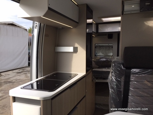 Adria New Twin PLUS 600 SPB Silver gamma 2020 140 cv 35 ql cerchi 16″ full