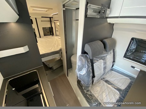 Adria New Twin SUPREME 640 SGX gamma 2020 160 cv POWER 35 H BLACK LINE full