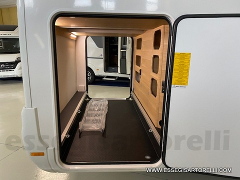 Adria New Matrix PLUS M670SL gamma 2021 letti gemelli e garage doppio pavimento 160 cv power full